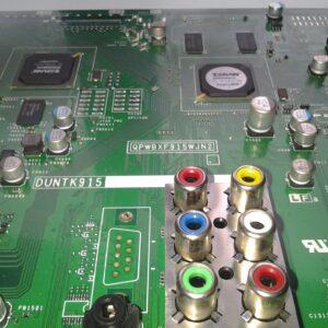 LCD és LED TV alaplapok bontott múködő)